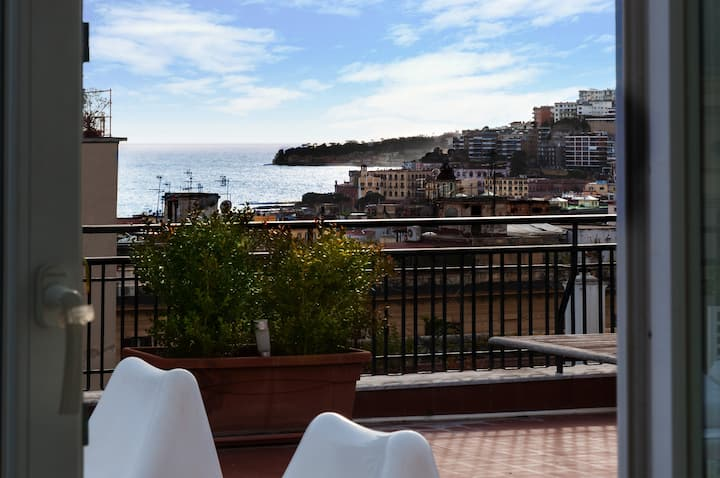 Penthouse overlooking the sea the center of Naples