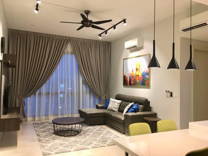 Stylish 2BR condominium near Mid Valley & Gardens