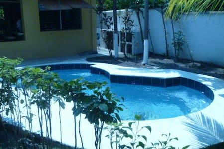 Waikiki cozy house - Iztapa - Chalet