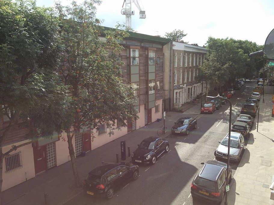 Quiet neighbourhood next to the London Fields Park