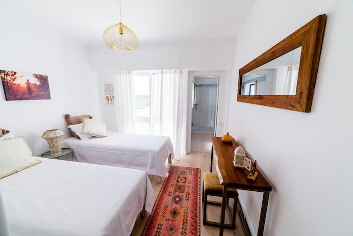 Sandhi House, Yoga & Wellness - Sunset Suite