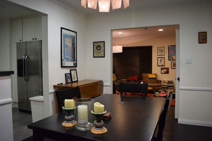gallery townhouse hollywood hotel gr property angeles the us la los apartment west grove mall this room of premier image for ca at rent rooms