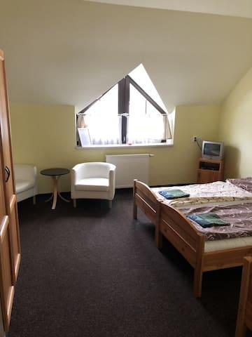 Pokoj pro 2-3 osoby v penzionu Tetřívek