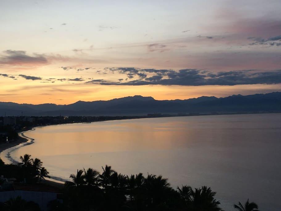 Bay view (South) from Terrace 2/Vista de la Bahía (Sur) desde la Terraza 2 desde la Terraza 1