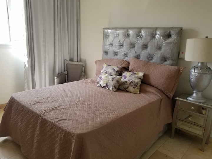 Lovely Room with all amenities, in the City Center