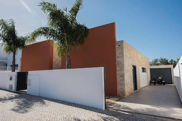 """My Address"" Vale do Frei - Skydive Villa"
