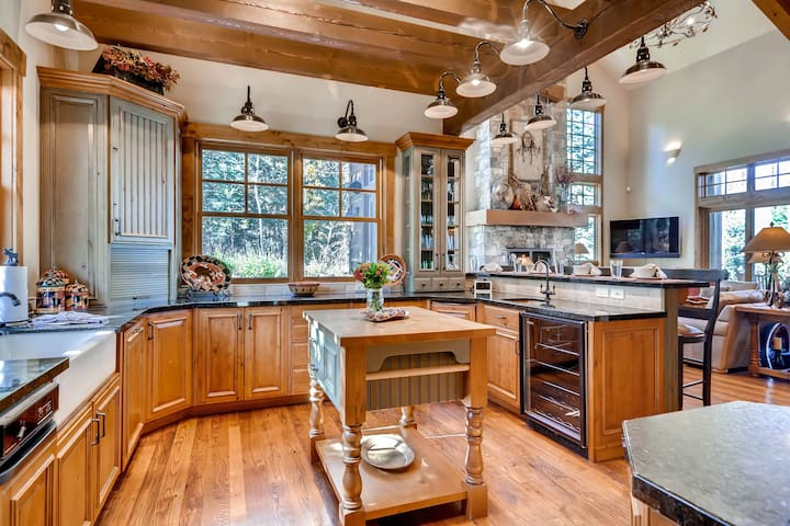 Ski In/ Out Luxury Private Home at Canyons - 2354R