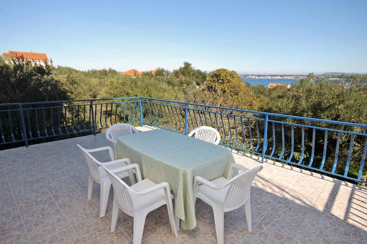 Two bedroom apartment with terrace and sea view Tkon, Pašman (A-5827-a)