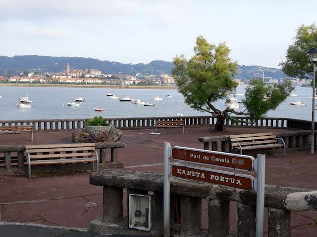 HENDAYE: Appartement avec vue sur le vieux port