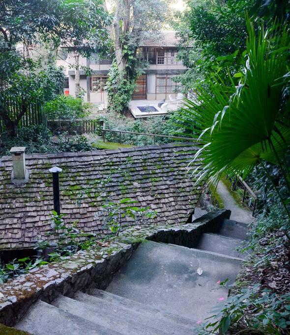 House entrance / Entrada