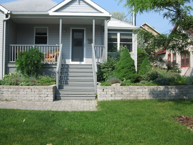 Centrally located 3 bedroom home in Westboro!
