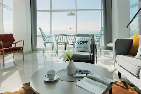 Full Seaview Duplex Suites ^无敌全海景~~ - George Town