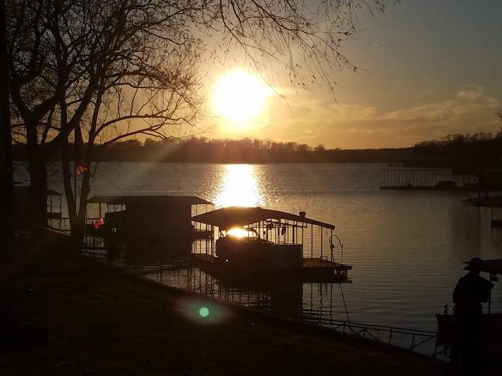 Poet's Lake Landing on Elk River