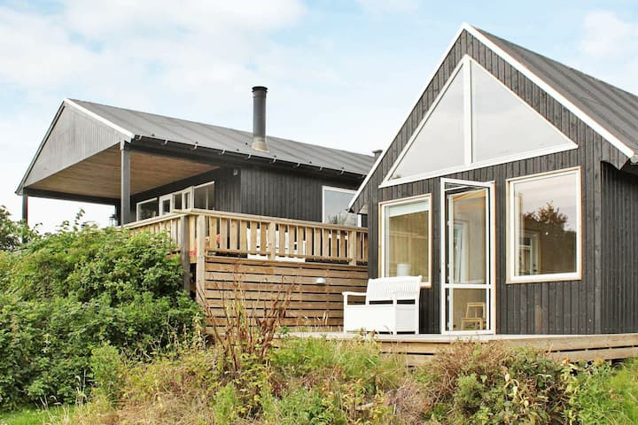 Cozy Holiday Home in Aabenraa near Sea