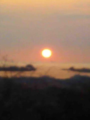 ボヤけていますが松島湾からの日の出です。 This is the sunrise  of Matsushima Bay in winter here.