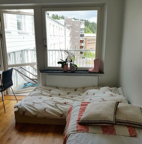 Room for 2 with private balcony - Mölndal - Byt