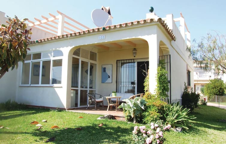 Semi-Detached with 2 bedrooms on 73m² in Torrox