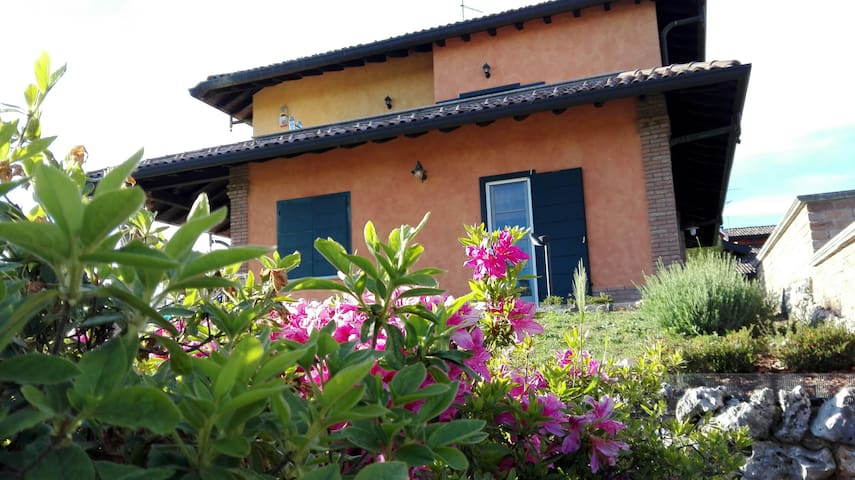 Very romantic loft 25min from Milan