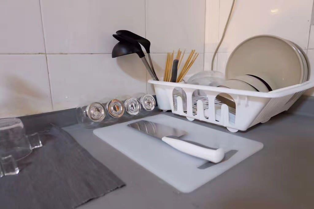 我们为爱做饭你准备了配套齐全的厨房用品。