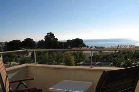Townhouse with sea views and near the beach - L'Hospitalet de l'Infant - Complexo de Casas