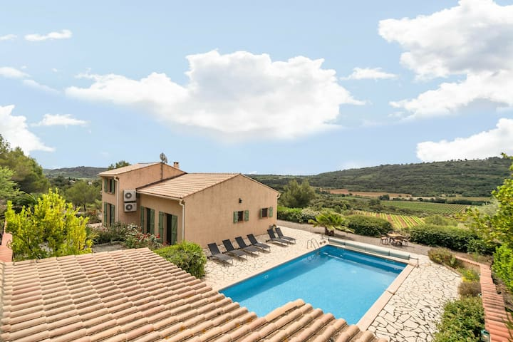 Schöne Villa in Cébazan mit eigenem Swimmingpool