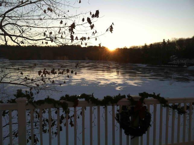Christmas time on the lake, so serene !!