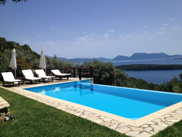 Villa Meliti, amazing views surrounded by nature! - Lefkada - Huis
