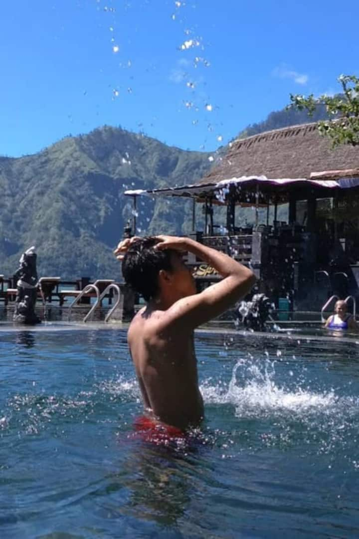 Enjoy hot spring and relaxing