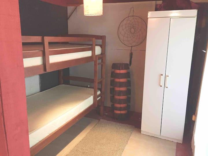 HOSTEL habitación para 2p con ducha privada