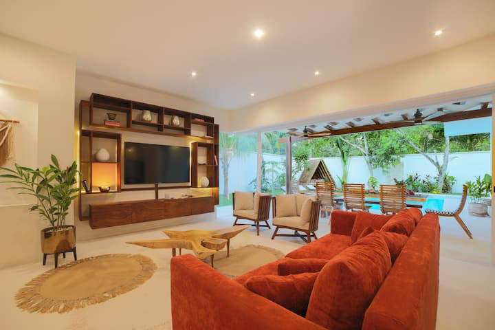 Estrena espectacular Villa, piscina XL y jacuzzi