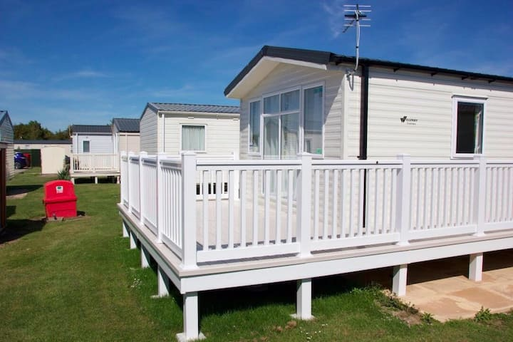 Cambersands parkdean resorts 8 berth holiday let