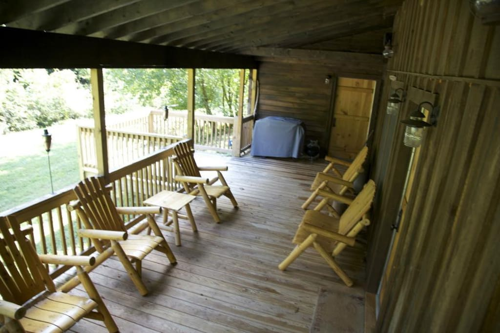 PORCH CONNECTS MASTER CABIN AND LIVING CABIN