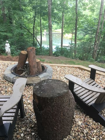 Lake Lanier with Private Entry to Private Room