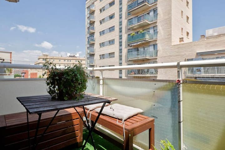 NEAR RAMBLA POBLENOU AND BEACH - Barcelona - Apartment