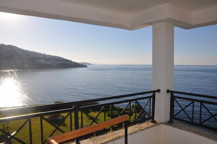 Waterfront Villa Eclipse in Bodrum - Geriş - House