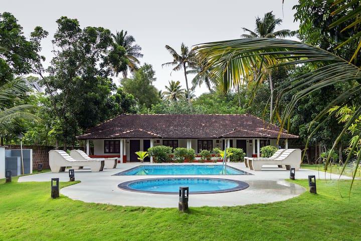 Beachside Palmview Cottage Room in Mararikulam - Mararikulam - Bed & Breakfast