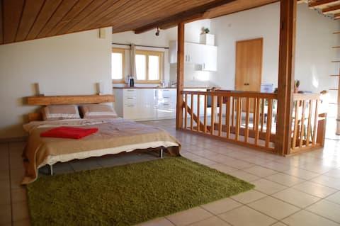 Bright & cosy studio in the heart of Jura.