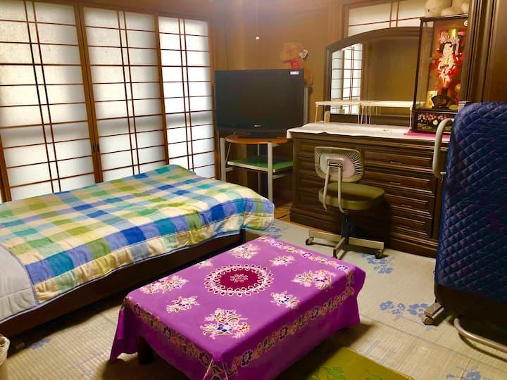 バス停前の家。和室。着物体験出来ます。神社で撮影もできます。