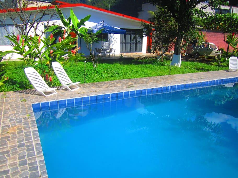 Casa de campo en Tingo María con amplios jardines.