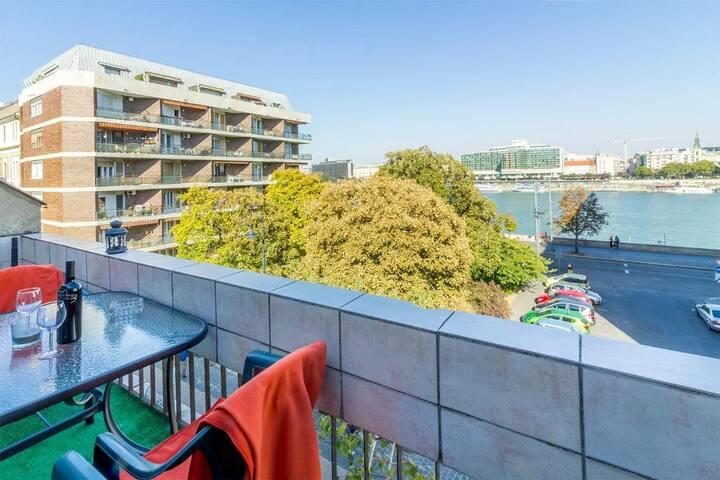Danube Terrace Apartment