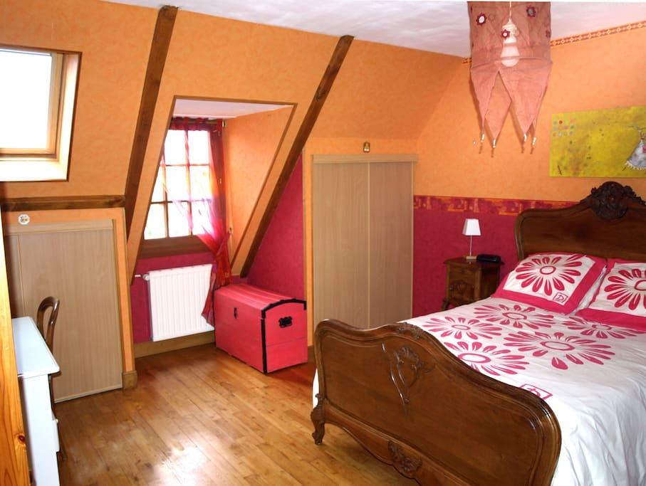 Chambre avec un lit 2 personnes