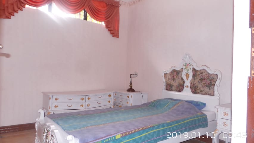 (B3) Private Room in Lipa with indoor pool