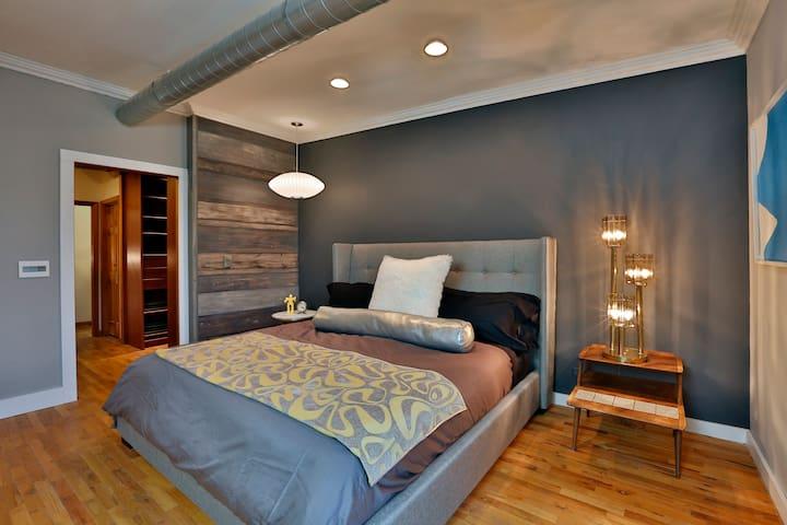 Mod Room.