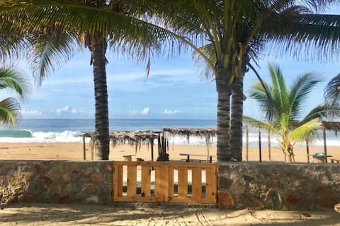 Casa Palmas - Frente al mar con alberca