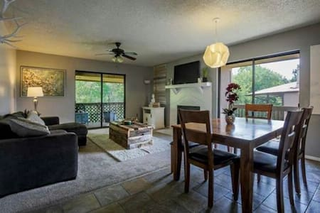 Quiet Condo in the Heart of Hot Springs - Hot Springs
