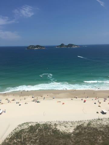 Apto 2 quartos na Praia da Barra da Tijuca