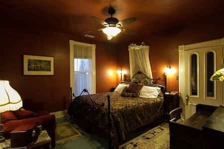 Full Service Bed & Breakfast - Olympia