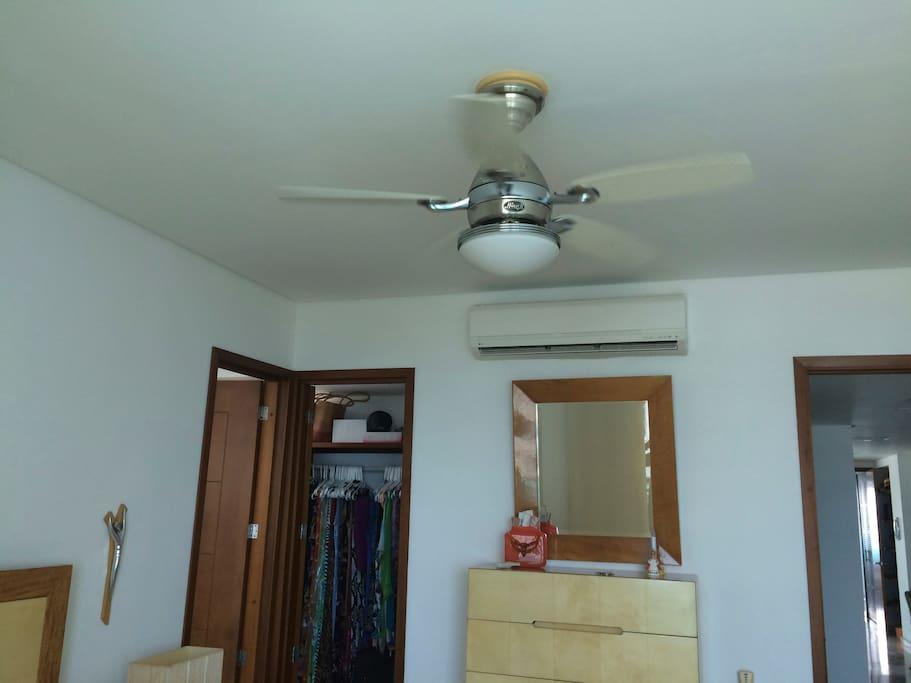 Todas las habitaciones tienen Ventilador de Techo y Miisplit