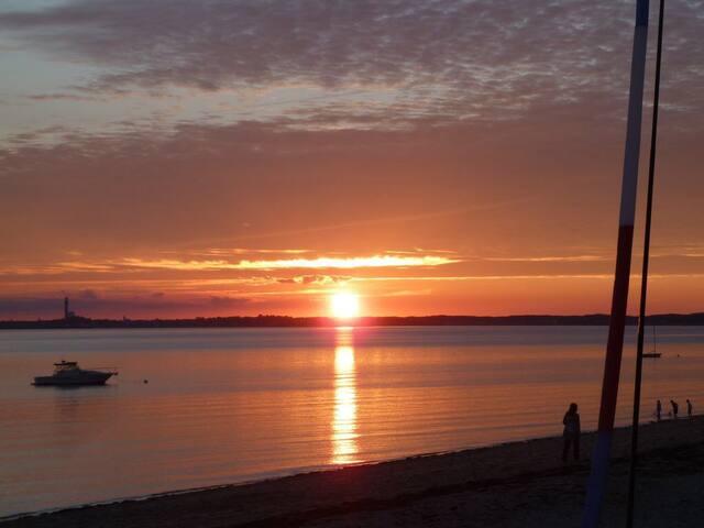 WaterfrontCondo w/ breathtaking Bay views&sunsets