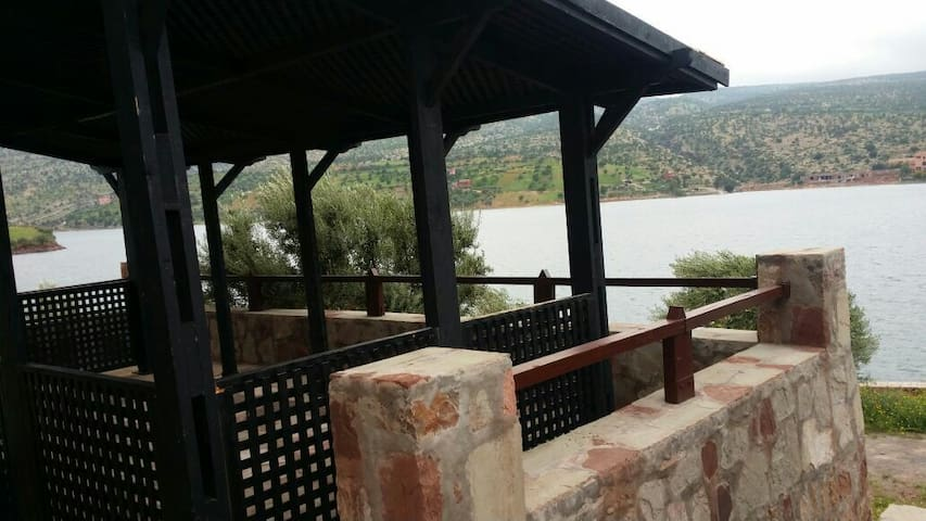 Villa de rêve pieds dans l'eau. - Bin El-Ouidane - Casa de camp